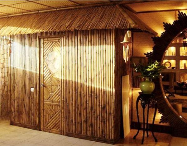 Интерьеры с обоями из бамбука