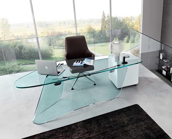 Стеклянные столы для офисных помещений