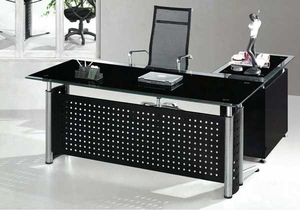 Виды стеклянных столов для офиса