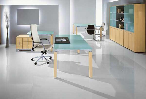 Столы для офиса из стекла