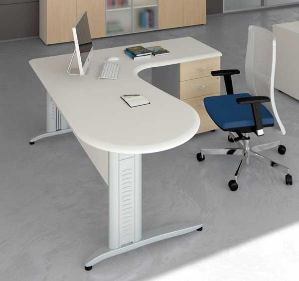Угловые столы для офиса  из пластика