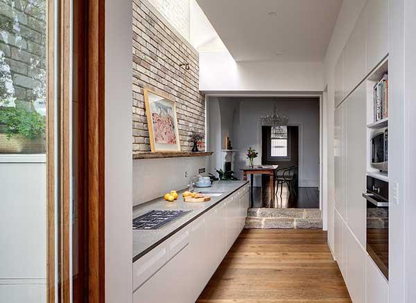 Как поменять местами кухню и коридор