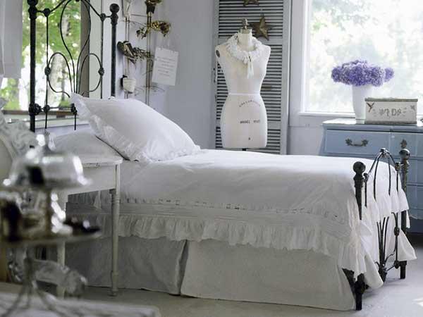 Особенности оформления небольшой спальни
