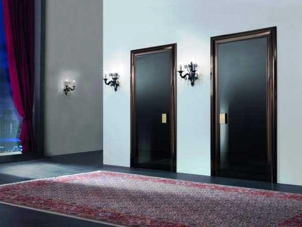 Матовые зеркальные двери