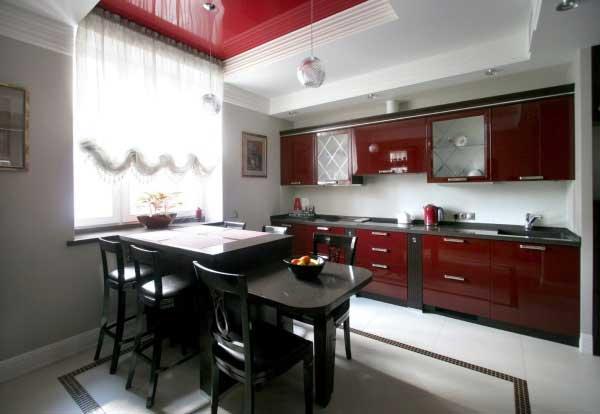 Кухонный дизайн в бардовом
