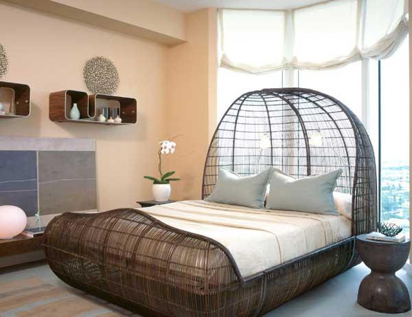 Плетенная двуспальная кровать