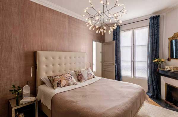 Выбор люстры для спальни в современном стиле