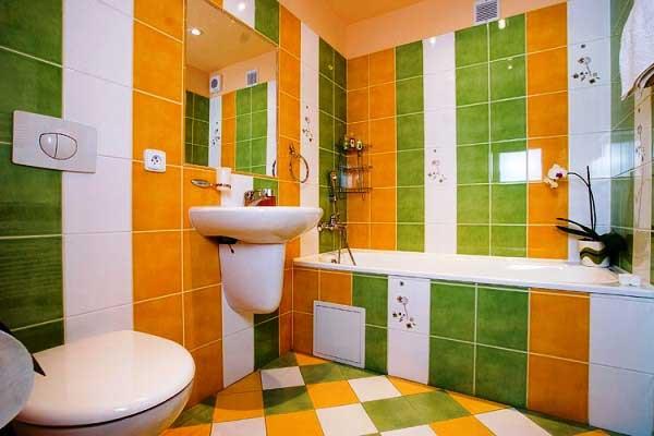 Яркая плитка для ванной