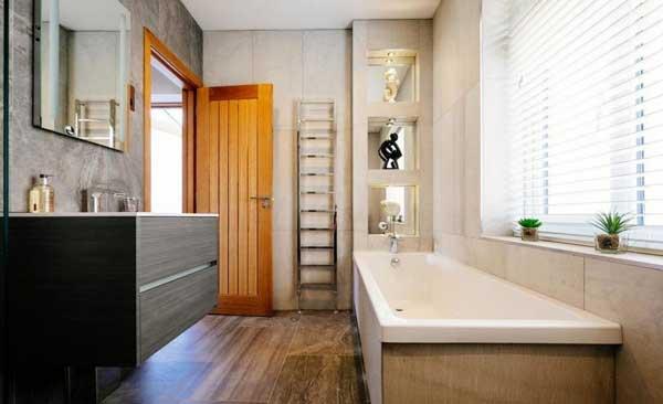 Использование в ванной комнате природных оттенков