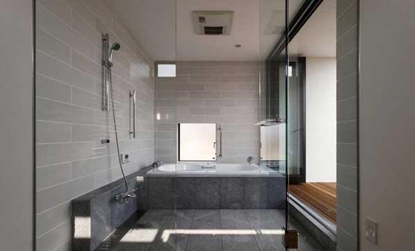 Сочетание двух нейтральных оттенков в ванной
