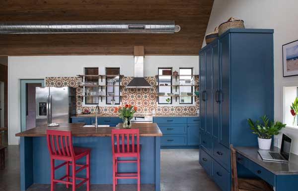 Кухня в синем цвете от Икеа