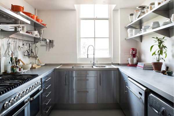П-образная компоновка мебели на кухне 9 кв. м
